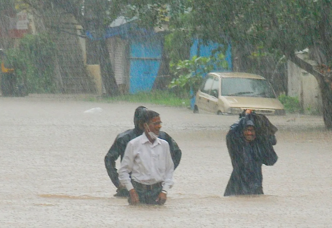 More than 100 killed after monsoon in India triggers landslides, flooding